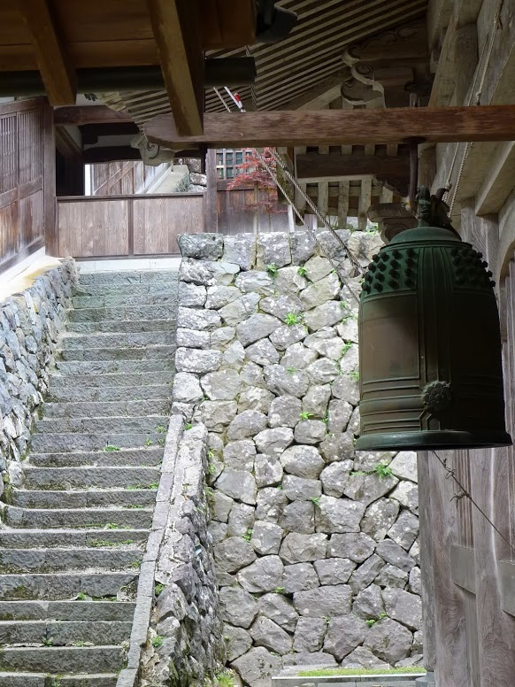 A densho at Eihei-ji, photograph by Ven. Endai Mayeda shramon