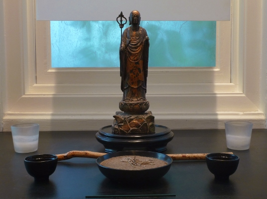 Jizo Bosatsu rupa on the Zendo Butsudan, Dainen-ji, photograph by Ven. Fushin Comeau shramon