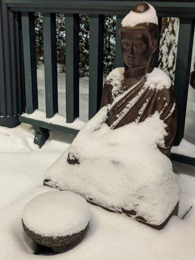 Snow covered rupa on Dainen-ji's front porch, Photograph by Ven. Mishin Roelofs godo